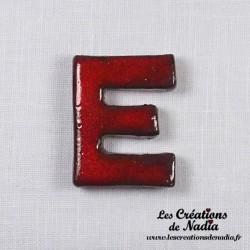 Lettre E en céramique