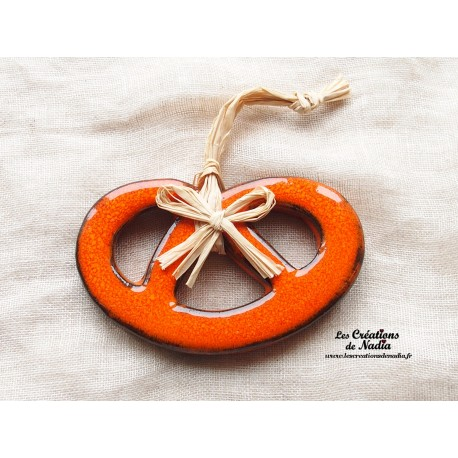 Moyenne bretzel orange