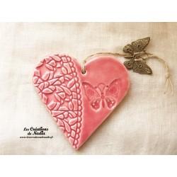 Coeur en céramique rose breloque papillon
