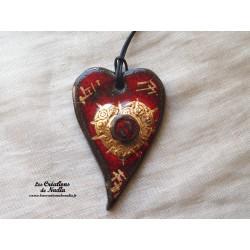 Coeur allongé en céramique en or et rouge pomme d'amour