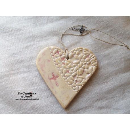 Coeur en céramique camaïeu de rose breloque croix
