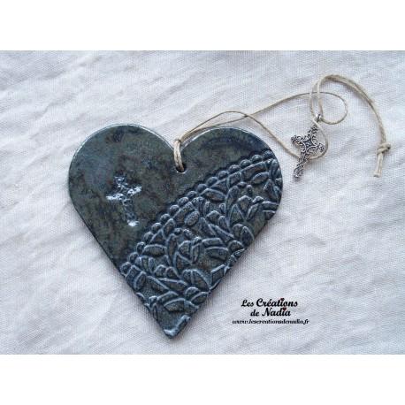 Coeur en céramique gris ciel d'orage breloque croix