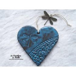 Coeur en céramique bleu breloque libellule