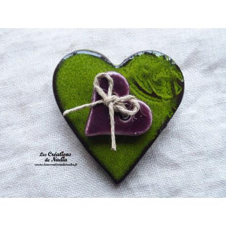Broche coeur en céramique vert reinette
