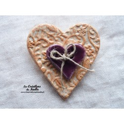 Broche coeur en céramique vanille