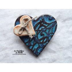 Broche coeur en céramique turquoise