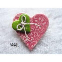 Broche coeur en céramique rose