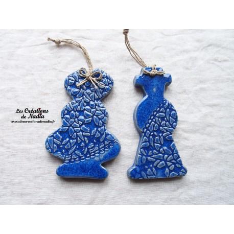Couple d'Alsaciens couleur bleu outremer