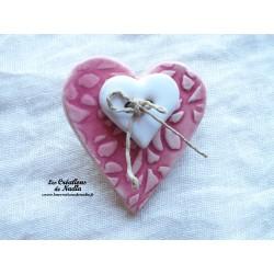 Broche coeur en céramique couleur rose