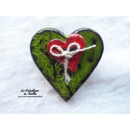 Broche coeur en céramique couleur vert reinette