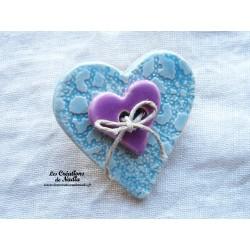 Broche coeur en céramique couleur bleu