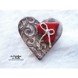 Broche coeur en céramique couleur crème brûlée