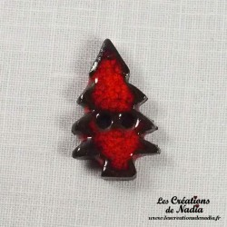Bouton sapin rouge pomme d'amour