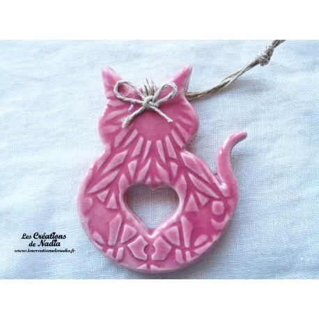 Chat en céramique couleur rose