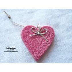 Coeur Katele rose impression fine dentelle