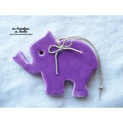 Petit éléphant couleur lilas en céramique