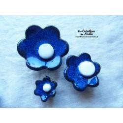 Poppies fleurs pour les jardinières, série de trois fleurs couleur bleu nuit