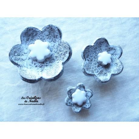 Poppies fleurs pour les jardinières, série de trois fleurs couleur Elsass café et blanc