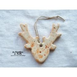 Tête de cerf couleur pain d'épice