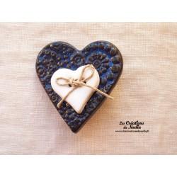 Broche coeur en céramique couleur bleu nuit