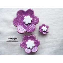 Poppies fleurs pour les jardinières, série de trois fleurs couleur lilas et blanc