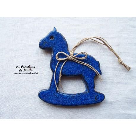 Moyen cheval à bascule, couleur bleu nuit
