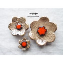 Poppies fleurs pour les jardinières, série de trois fleurs couleur marron glacé et orange